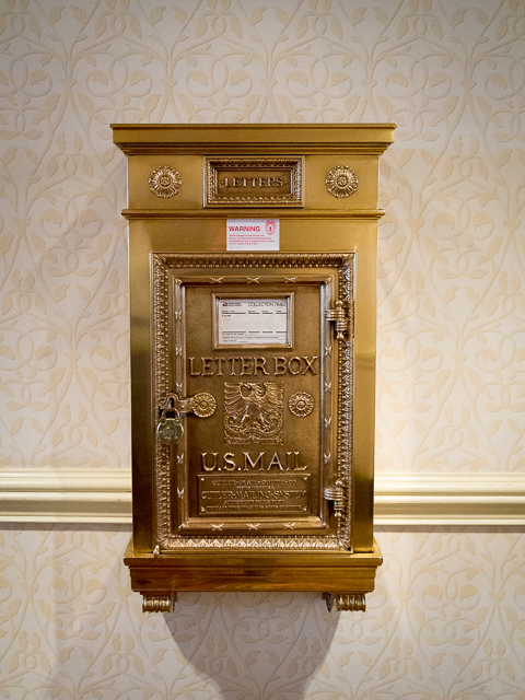 The original mailbox from 1913